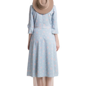 Light blue printed midi dress with flared sleeves and pleats 2