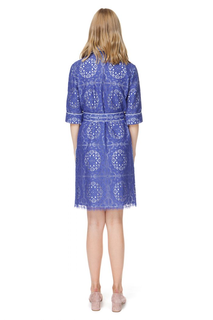 MARIBEL shirt dress with a belt in deep-sea blue lace.