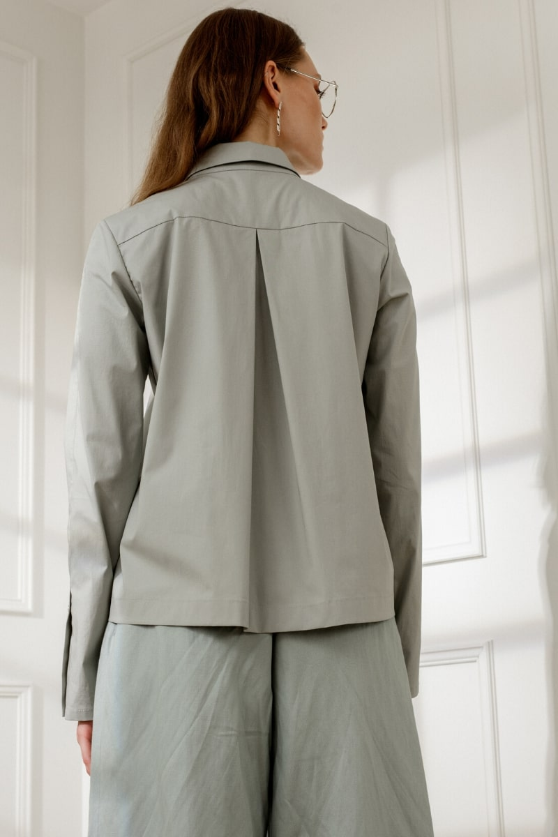 ALEXA POINTED COLLAR SHIRT IN OLIVE-GREEN