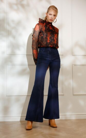 DIANA ARNO CIA FLARED JEANS IN HERITAGE BLUE